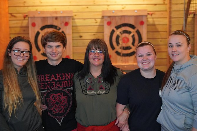 Axe-Throwing photo 2
