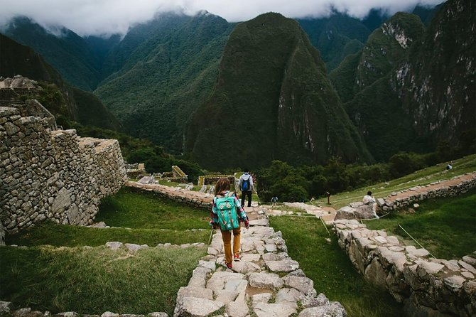 Sacred Valley + Machu Picchu 2 days photo 3