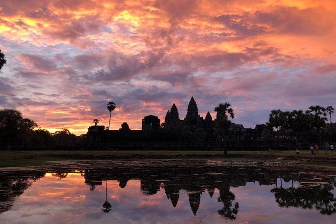 Angkor Wat sunrise Bayon Ta Prohm private from Siem Reap