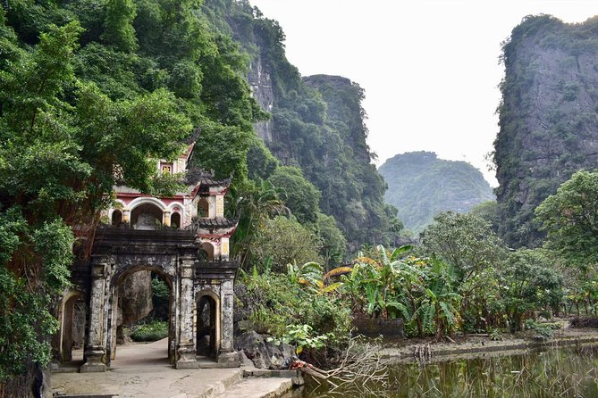 Ninh Binh's Ancient Dynasties, Caves, and Karsts Tour photo 12