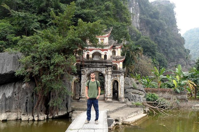 Ninh Binh's Ancient Dynasties, Caves, and Karsts Tour photo 2
