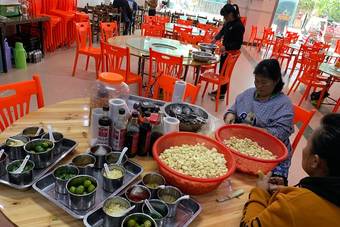 Guided Walking Tour to experience life of a local Hainanese