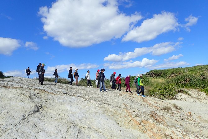 Hiking tour to enjoy the spectacular Kerama Blue and Inoue