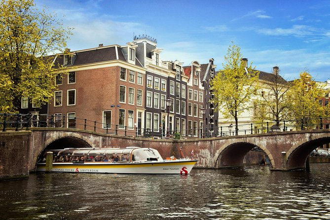 Small Group tour UNESCO'S Kinderdijk and The Hague with Amsterdam Canal Cruise