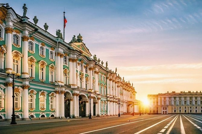 One day tour of St. Petersburg. Hermitage and Peterhof 10 hours