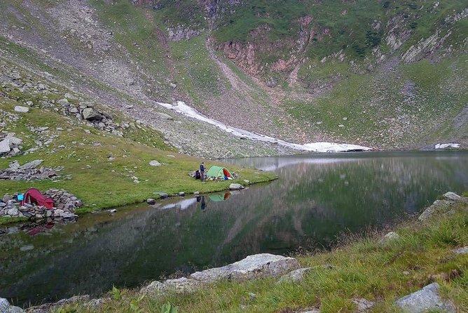 Camping at Avrig Lake
