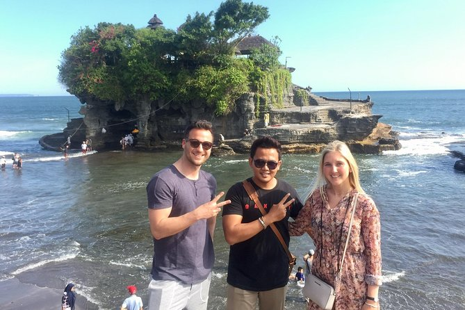 HALF DAY TANAH LOT TOUR -Tanah Lot sunset-royal temple-Batu bolong-free WiFi