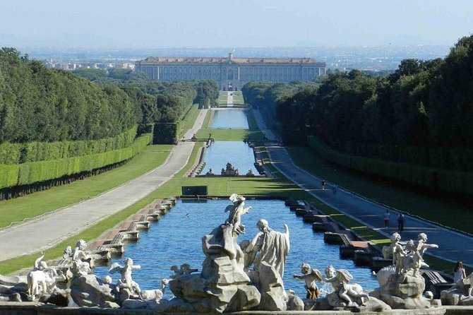 "Tour Royal Palace of Caserta + ""La Reggia"" Outlet"