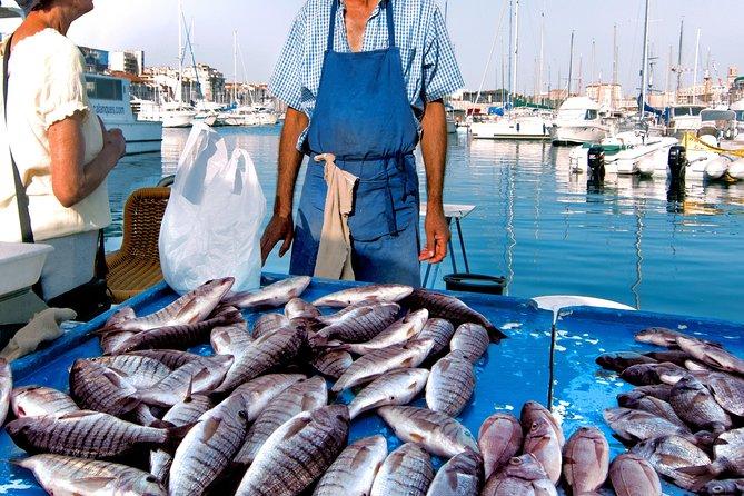 Visita al mercado local y clase de cocina privada en el hogar local en Bari