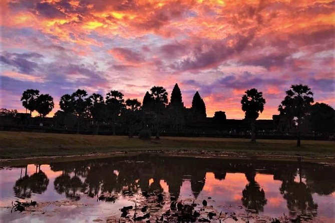 Private Angkor Wat Sunrise Grand Tour by Lexus