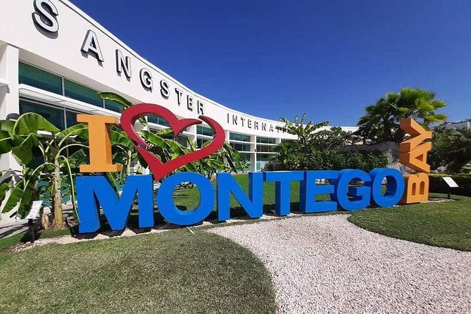 Family Private Airport(Round trip) to hotels Runaway Bay, Ocho Rios and St Mary.