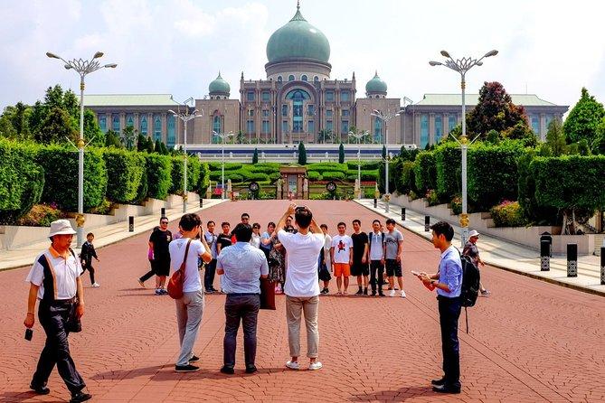 Private Tour: 2 in 1 Kuala Lumpur & Putrajaya in one Day