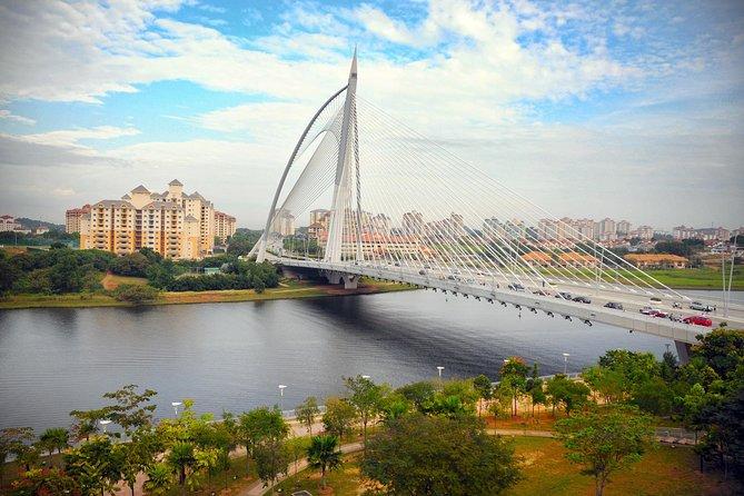 Kuala Lumpur City to Malacca City EN-ROUTE Putrajaya City Tour