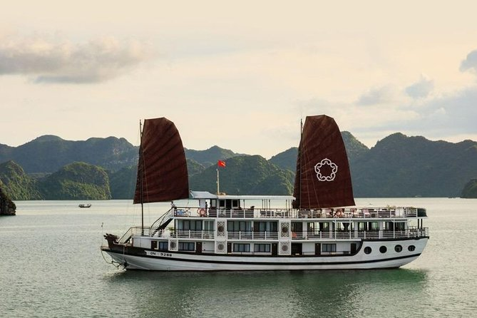Apricot Premuim Cruise - HaLong & LanHa Bay 3D2N (1 Night Boat, 1 Night Island)
