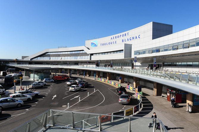 VTC Airport & Station shuttle from Toulouse Hotels