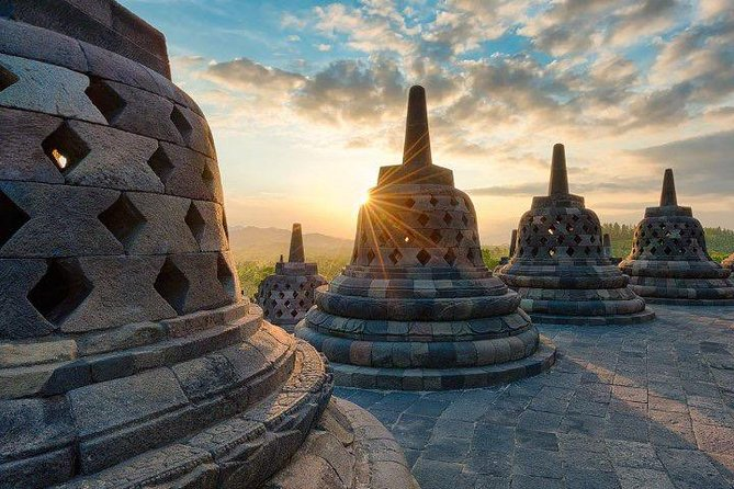 Yogyakarta Borobudur Sunrise Private Tour - All Inclusive Package