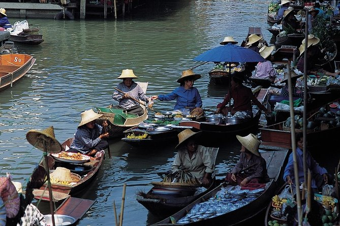 Half-Day Tour of Damneon Saduak Floating Market from Bangkok