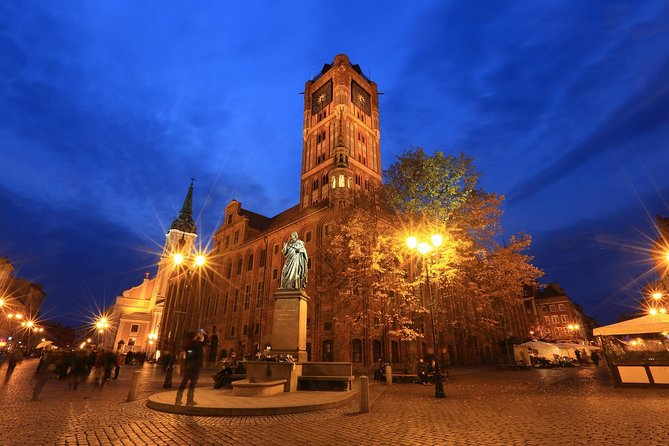 Torun: Living Museum of Gingerbread and Old Town Private Walking Tour photo 1