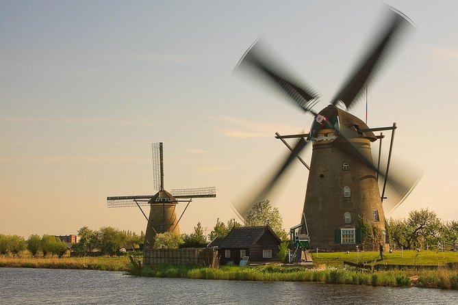 UNESCO'S Kinderdijk and The Hague Small Group tour with Canal Cruise