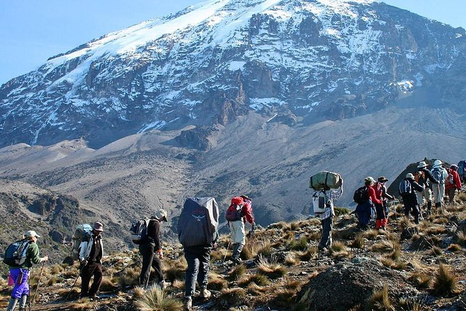 6 Days Trekking Marangu Route (Mount Kilimanjaro Summit)