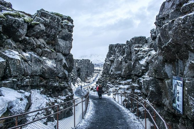 Full-Day Iceland Golden Circle Tour with Pickup and Lunch