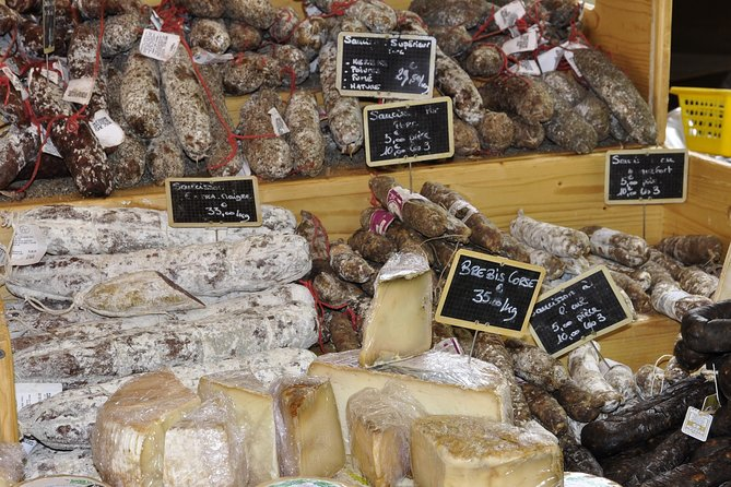 Local Market Tour and Dining experience at a local's home in Montepulciano