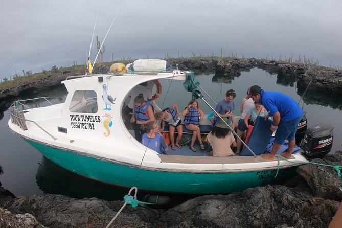 6-Day Trip in Galápagos Land-Based Including 4 Islands