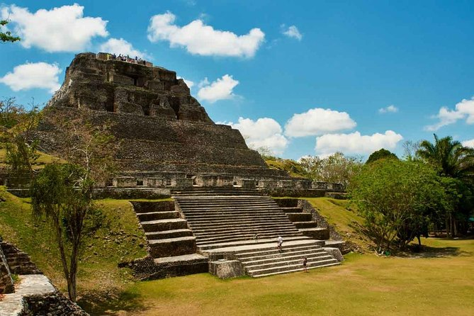 Private Xunantunich Mayan Ruin with local Lunch from Belize City