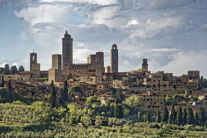 Private car trip to San Gimignano from Florence (4 h)
