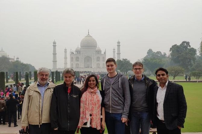 Day tour to Taj Mahal & Agra fort from Delhi,5 star hotel lunch included . photo 18