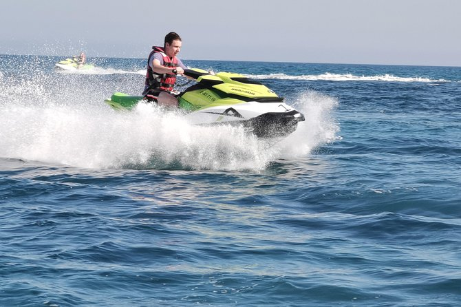 Experience the power of a Jet Ski 30 minutes