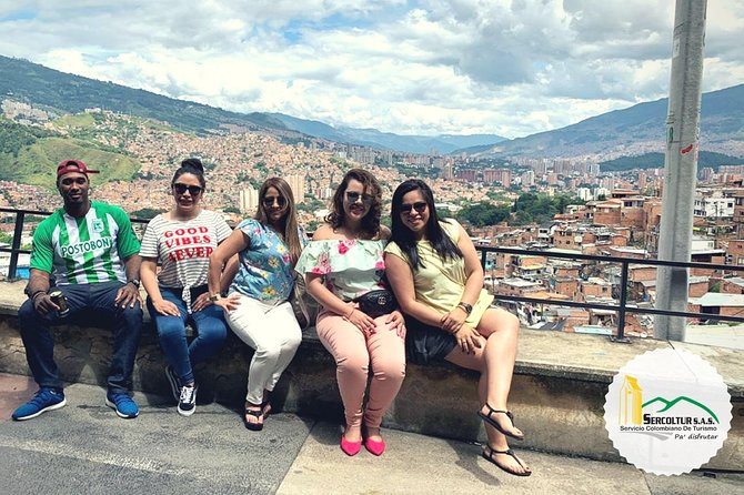 City tour in Medellin + Commune 13 + Metro and Metrocable