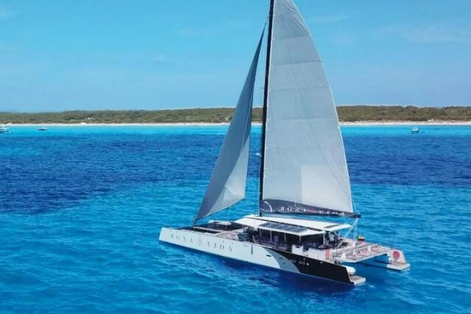 Promotion Tours Rosario Island in Catamaran VIP