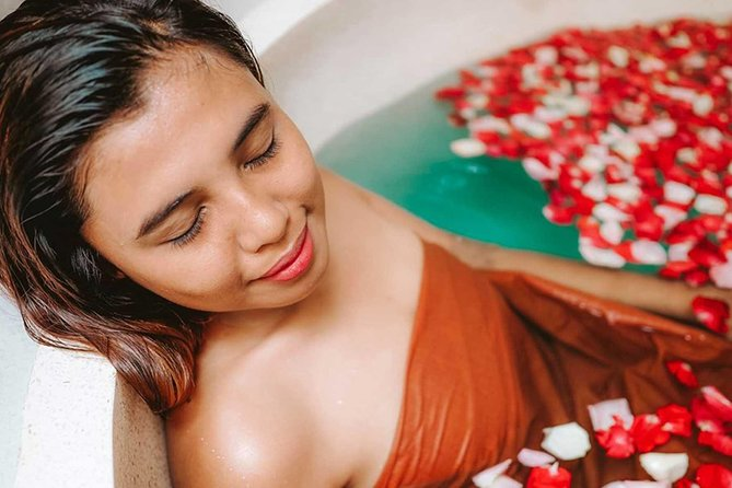Bali Spa Tour, Beaches, Uluwatu Temple Sunset & Jimbaran Bay Dinner