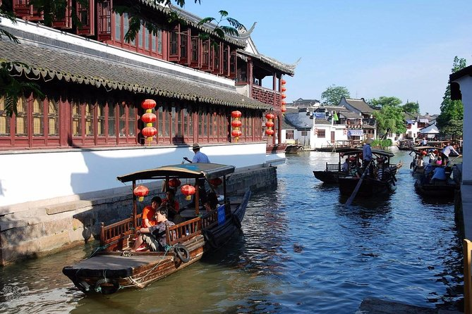 Zhujiajiao Water Village and Shanghai Highlights Private Day Tour