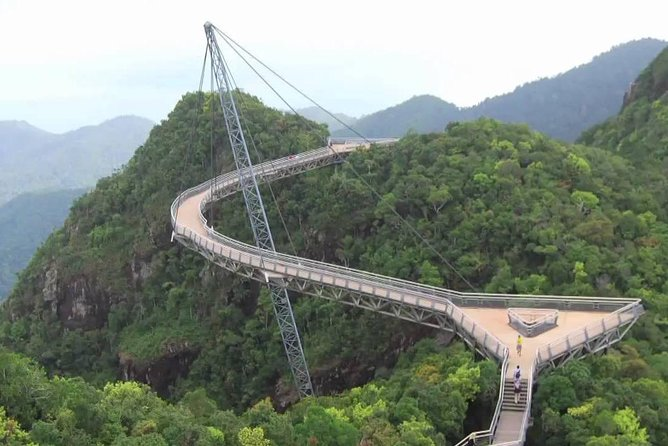 Langkawi Tour with SkyBridgewalk,Langkawi Cable Car,Oriental Village pass