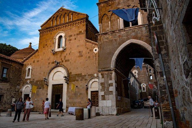 Medieval old Caserta, Silk Museum + Wine tasting Porto di Mola (8hrs)