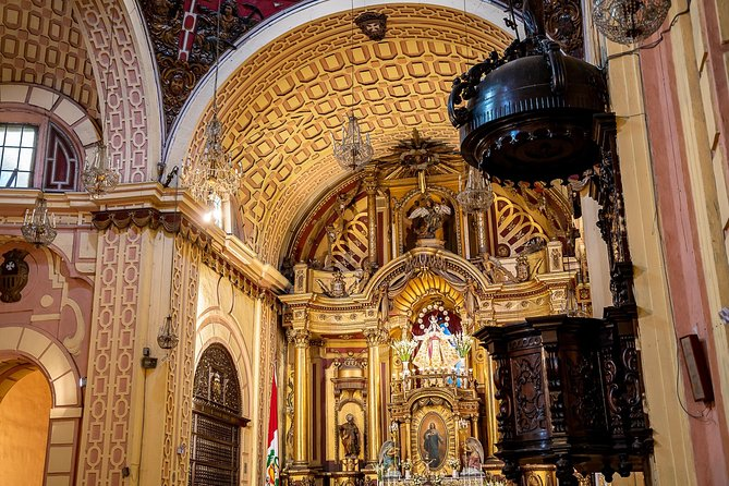 Lima's Cultural Treasures & Cathedral Private Tour with a Local