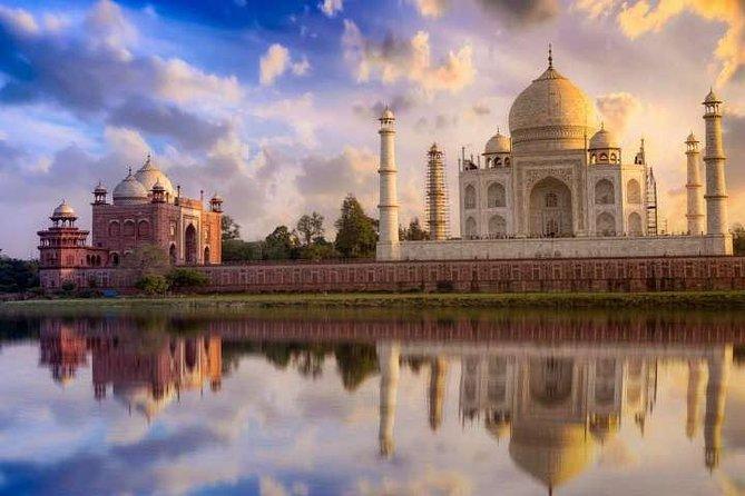 4 Day Golden Triangle Tour{Taj Mahal Tour at Sunrise}