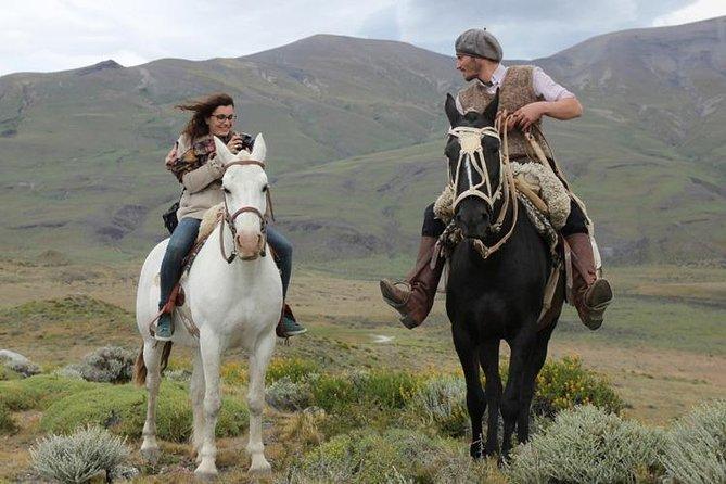 Horseback riding in Calafate