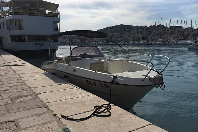 Speedboat transfer from Hvar town (Water taxi transfer) to Airport Split