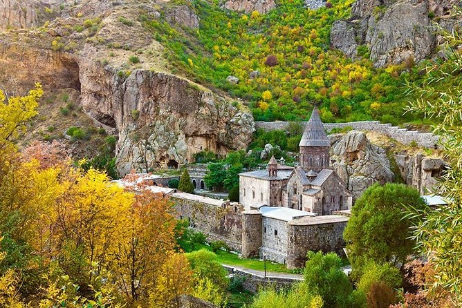 PRIVATE Guided tour to Garni, Geghard and Khor Virap
