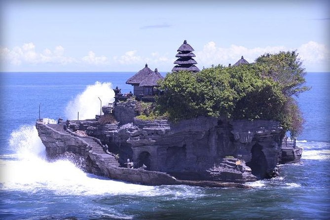 Tour in Bali in Spanish to the Tanah Lot Sea Temple