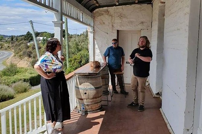 Hobart Small Group Wine Tour Saturday Afternoon: Wines, Gins & Cheeses
