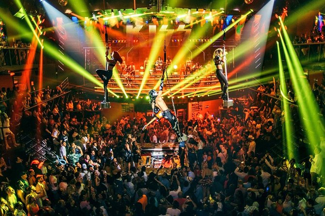 Coco Bongo Disco Show! The Best Party!