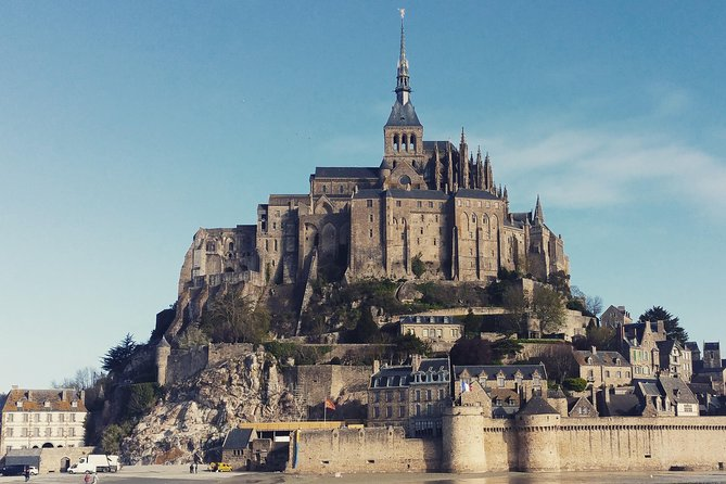 Private walking tour of Mont Saint Michel with a licensed guide