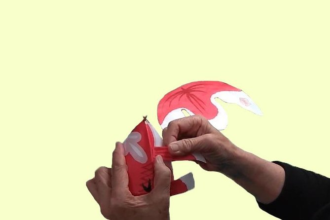 Paper goldfish lantern making experience photo 4