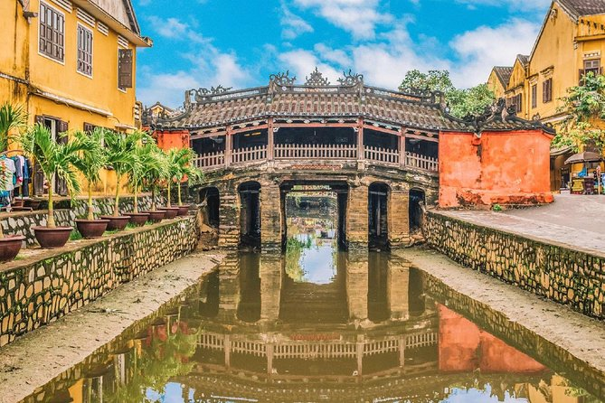 Hoi An Ancient Town Tour: Japanese Covered Bridge & Old House from Da Nang