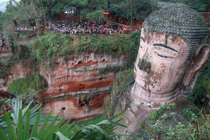 Leshan Giant Buddha and Huanglongxi Ancient Town Day Trip