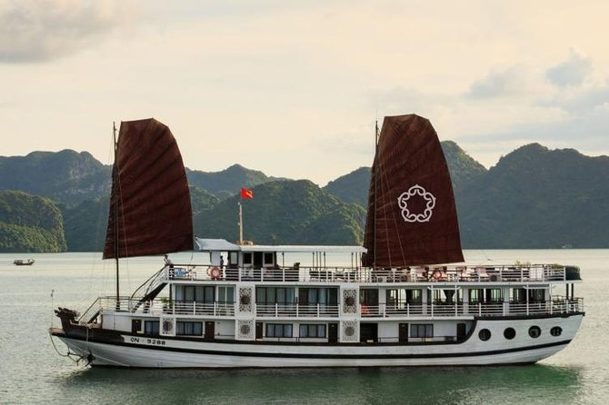 Apricot Cruise 3*** - Ha Long Bay & Lan Ha Bay 3 Days 2 Nights (On Boat)